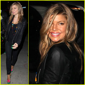 Fergie: Neon Green Nails for St. Patrick's Day