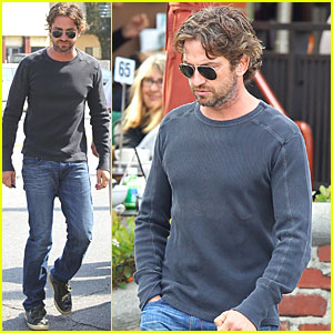 Gerard Butler: Alcove Cafe Stop!