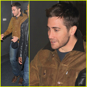 Jake Gyllenhaal Jets To JFK