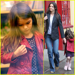 Katie Holmes: Kaboodles Toy Store with Suri!