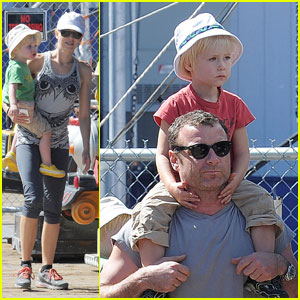 Naomi Watts & Liev Schreiber: Family Fun at the Pier!