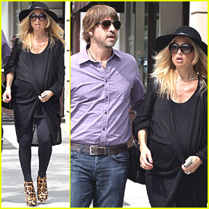 Rachel Zoe: 6 Inch Heels at 38 Weeks Pregnant!