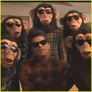 Bruno Mars: 'Lazy Song' Video P