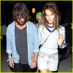 Isabel Lucas: Coachella with Angus Stone!