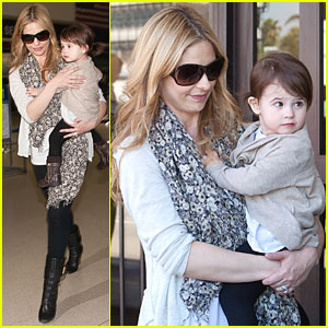 Sarah Michelle Gellar: LAX with Charlotte!