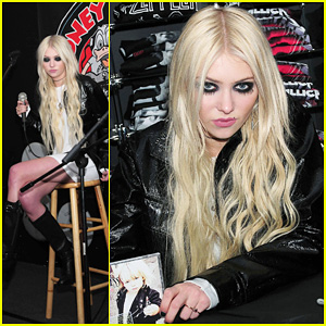 Taylor Momsen: Looney in New York!