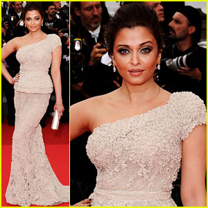 Aishwarya Rai: Cannes Film Festival Opening Ceremony!