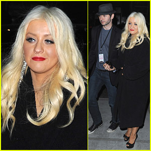 Christina Aguilera & Matt Rutler Hold Hands