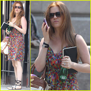 Isla Fisher: Friday Fun in the Sun