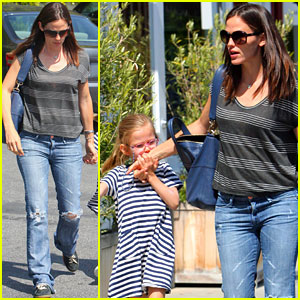 Jennifer Garner: Ice Cream Adventure with Violet & Seraphina!