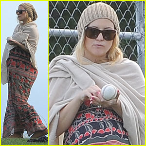 Kate Hudson: Little League Game with Matt Bellamy!