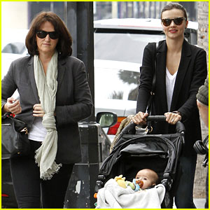 Miranda Kerr: Lunch Date with Mom &#038; Flynn!
