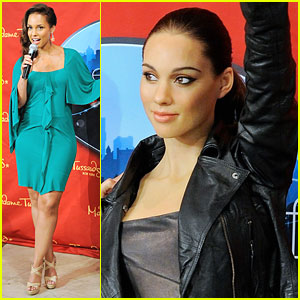 Alicia Keys: Wax Figure Unveiled!