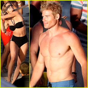 AnnaLynne McCord & Trevor Donovan: '90210' Beach Bods!