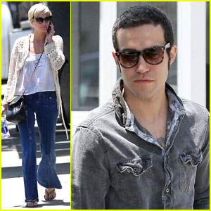 Ashlee Simpson & Pete Wentz Visit Their Lawyers