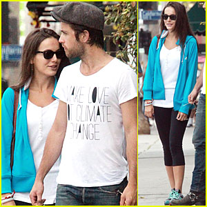 Camilla Belle & Justin Chatwin: Brunch Buddies!