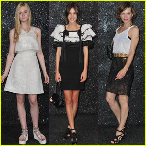 Elle Fanning &#038; Alexa Chung: Chanel Haute Couture Show!