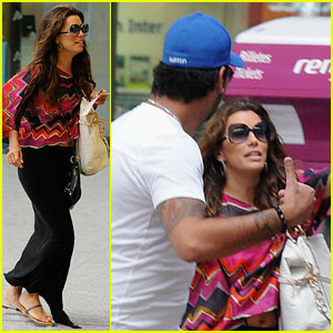 Eva Longoria: Mad Dash at the Train Station!