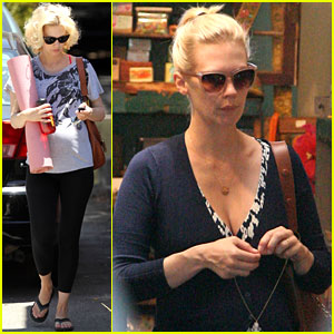 January Jones: Yoga Class & Jewelry Shopping!