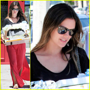 Rachel Bilson: Huge Fan of Cowboy Boots!