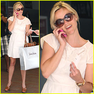 Reese Witherspoon: Neiman Marcus Shopping Spree!