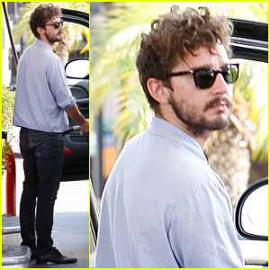Shia LaBeouf: Curly Hair at the Gas Station