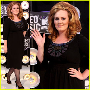 Adele - MTV VMAs 2011 Red Carpet