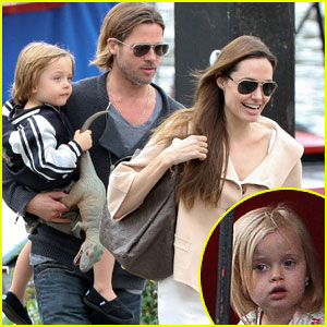 Angelina Jolie & Brad Pitt: Puppet Show with the Twins!