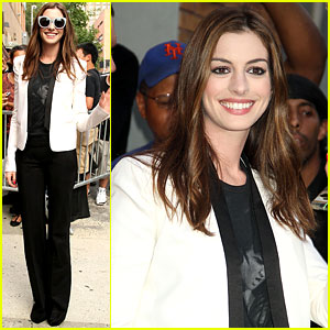 Anne Hathaway: Addicted to Online Scrabble!
