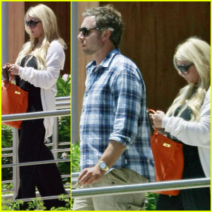 Jessica Simpson & Eric Johnson Jet Out of L.A.
