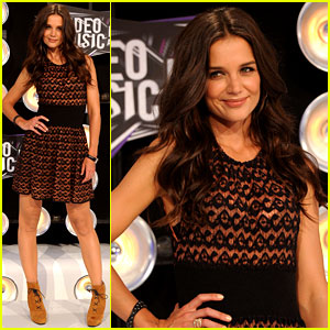 Katie Holmes - MTV VMAs 2011 Red Carpet