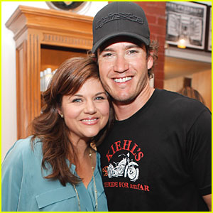 Mark-Paul Gosselaar & Tiffani Thiessen: Kiehl's LifeRide!