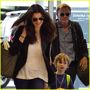 Daniel Craig & Rachel Weisz Jet Out of JFK