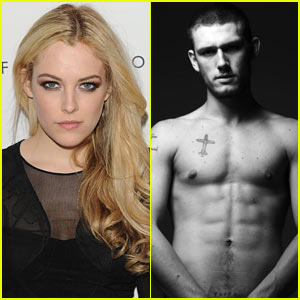 Riley Keough & Alex Pettyfer: 'Magic Mike' Mates!