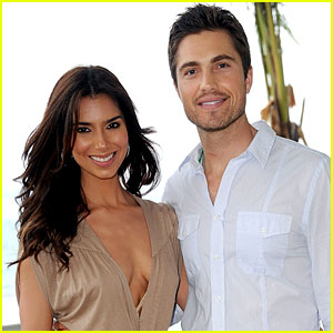 Roselyn Sanchez & Eric Winter: Expecting a Baby!