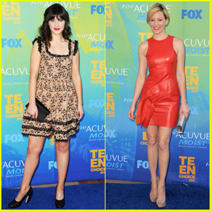 Zooey Deschanel & Elizabeth Banks - Teen Choice Awards 2011 Red Carpet