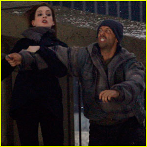 Anne Hathaway: 'The Dark Knight Rises' Stunt Fight!