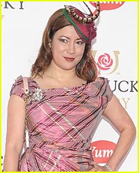 Jennifer Tilly Appearing on 'Modern Family' Third Season