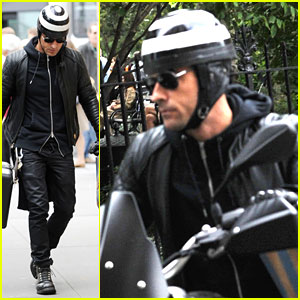 Justin Theroux Buys Kitchen Supplies