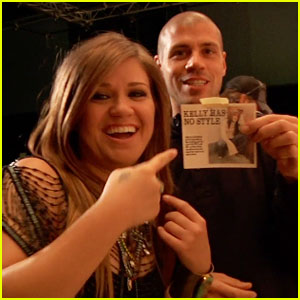 Kelly Clarkson: Making of 'Mr. Know It All' Video!