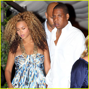 Pregnant Beyonce & Jay-Z Leave Hotel in Venice
