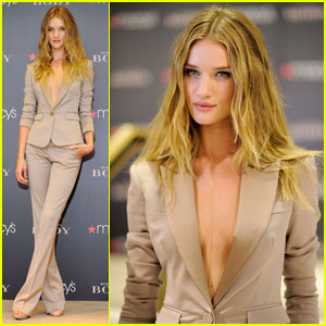 Rosie Huntington-Whiteley: 'Burberry Body' Launch!