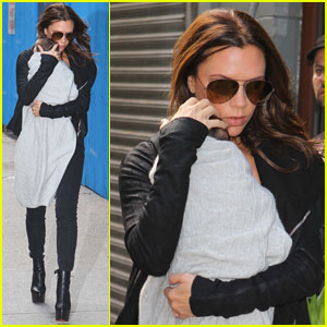 Victoria Beckham: Saturday Stroll with Harper!