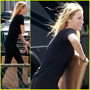 Blake Lively: Special 'R.I.P.D.' Package Delivery!