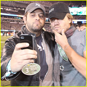Chad Michael Murray: Sideline at New York Jets Game!