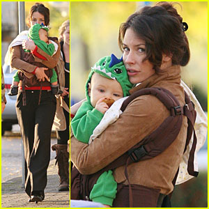 Evangeline Lilly & Son: Out in Vancouver!