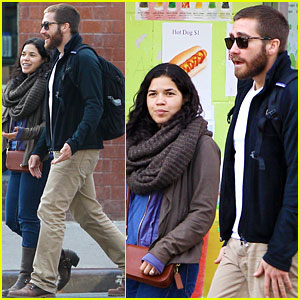 Jake Gyllenhaal: Sunday Food Run with America Ferrera!