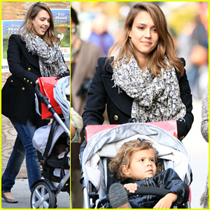 Jessica Alba: Family Fun in NYC!