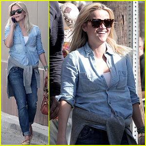 Reese Witherspoon: Santa Monica Friday Fun