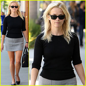 Reese Witherspoon: Art Auctions Are Nerve-Wracking!